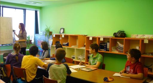 Copii invatand limba engleza in cadrul centrului Smart Language School din Timisoara